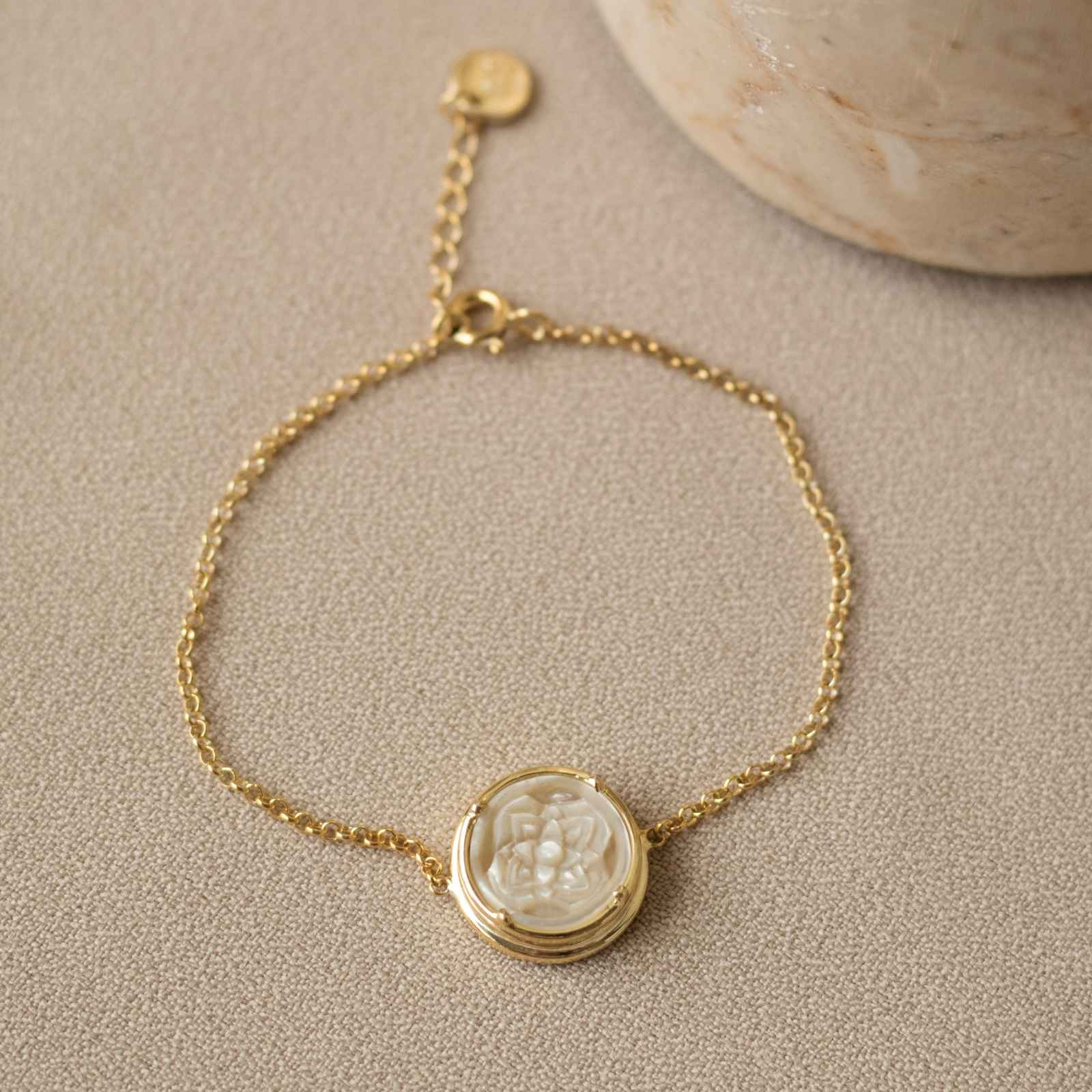 Patra Bracelet Round with Mother of Pearl