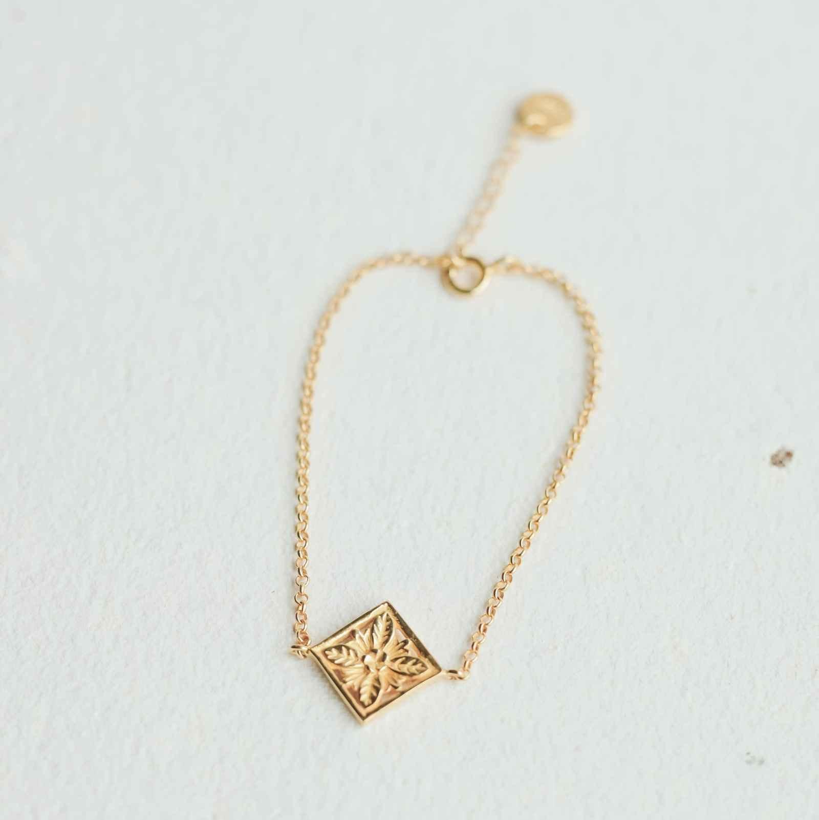 Patra Bracelet Square Mini