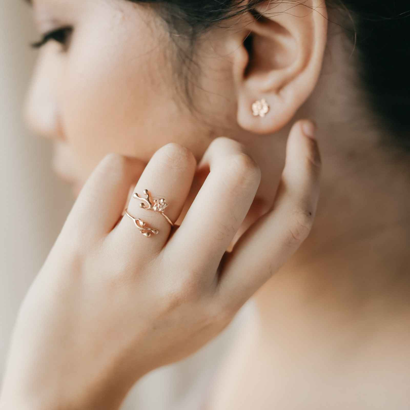 Phaluna Ring